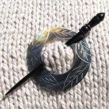 2047_etched_circle_shawl_pin