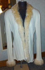 alpaca_sweater_fur_trimmed